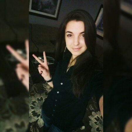 Selena, 19 cherche découvrir d'autres plaisirs