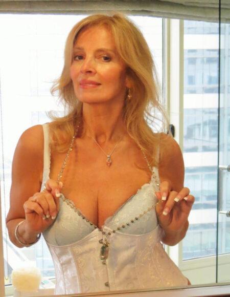Berenice, 48 cherche une rencontre au feeling