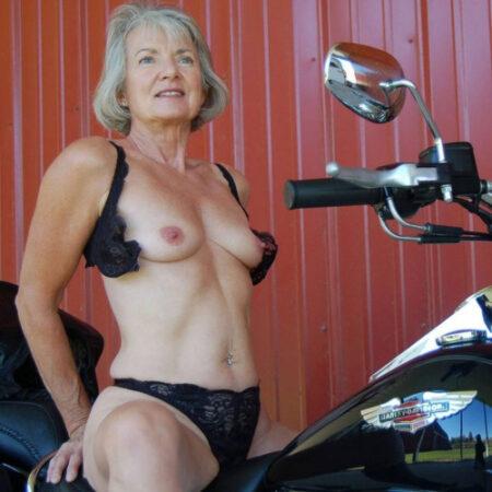 Eleanore, 55 cherche nouvelles expériences